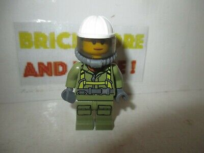 Minifigures City Red Jacket Zipper Classic Space Logo cty0308 Lego