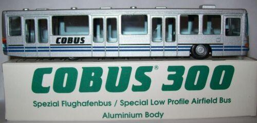 Cobus 300 Flughafenbus 1:87 H0 Bus NEU OVP NZG No 372 Airfield Bus å *