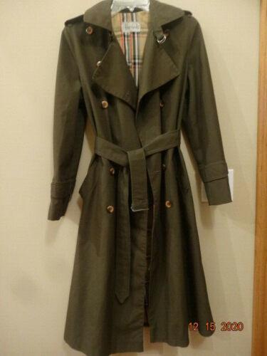 Burberry for Harrods Women Khaki long coat. Made i