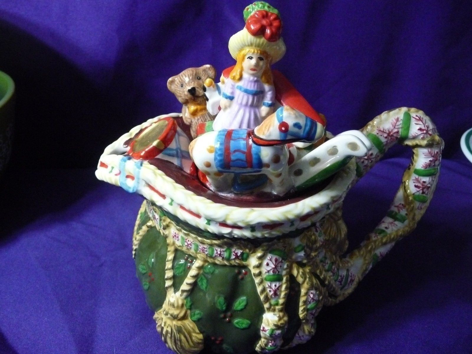 Teapot Santa's Bag of Toys by Nova Studio Woodland Holly Santa NWT Free Shipping
