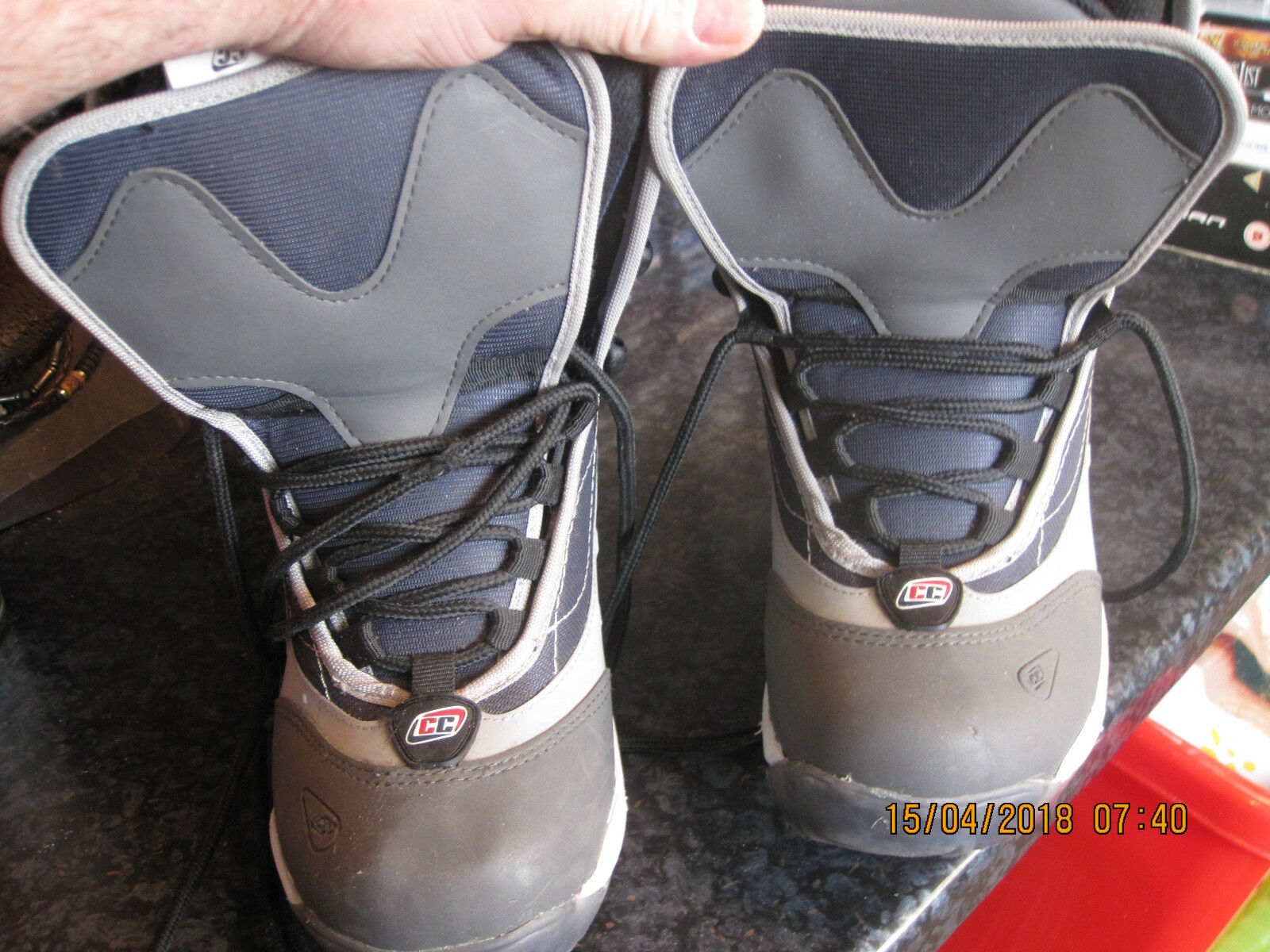 CRAZY CREEK CC SNOW BOOTS GREY SIZE 34 VGC