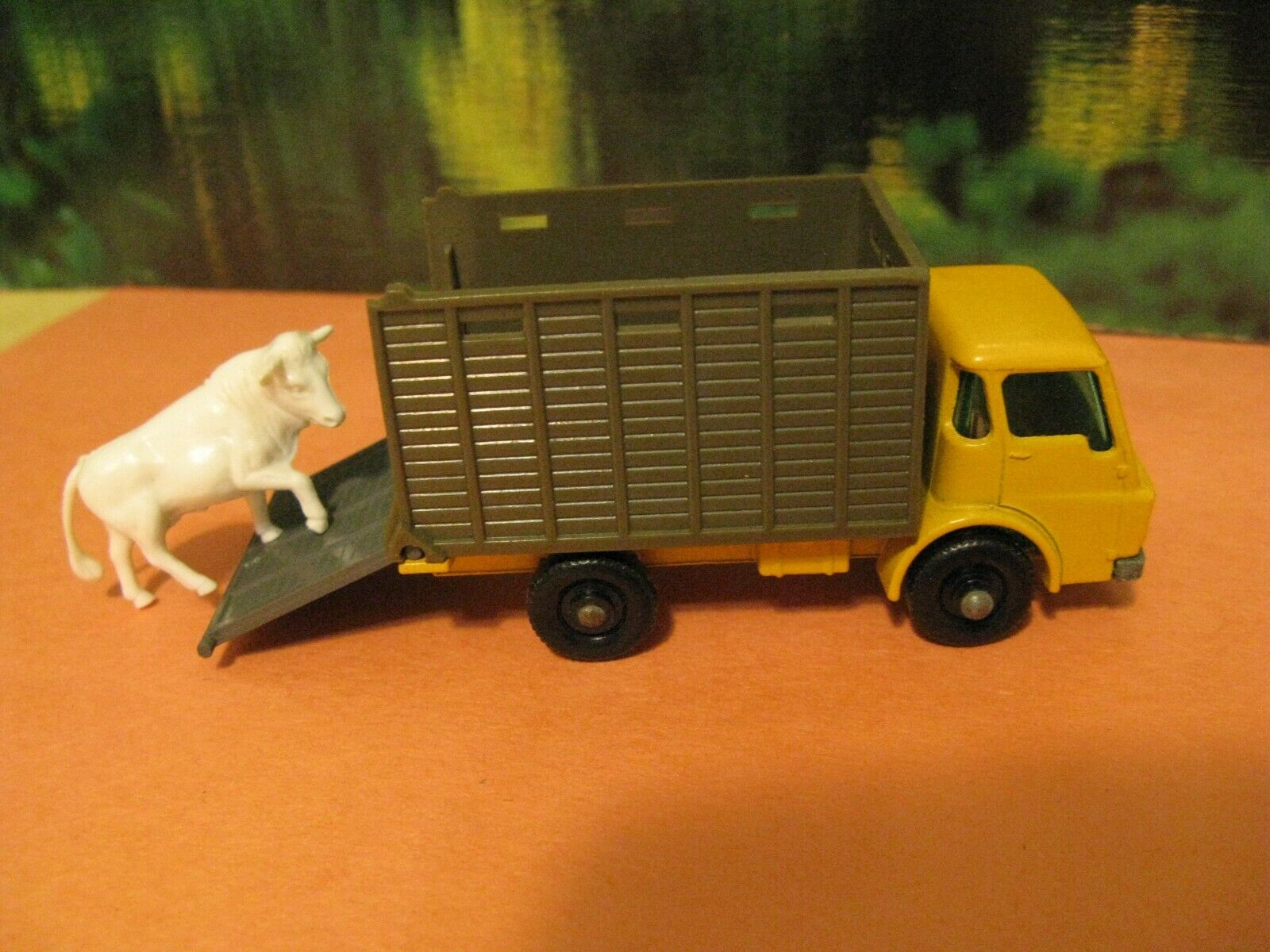 Matchbox Car  37 Cattle Truck Almost Mint By Lesney With Nice Box