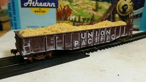 Athearn-HO-Union-Pacific-50-039-custom-weathered-Gondola-train-freight-car-amp-load