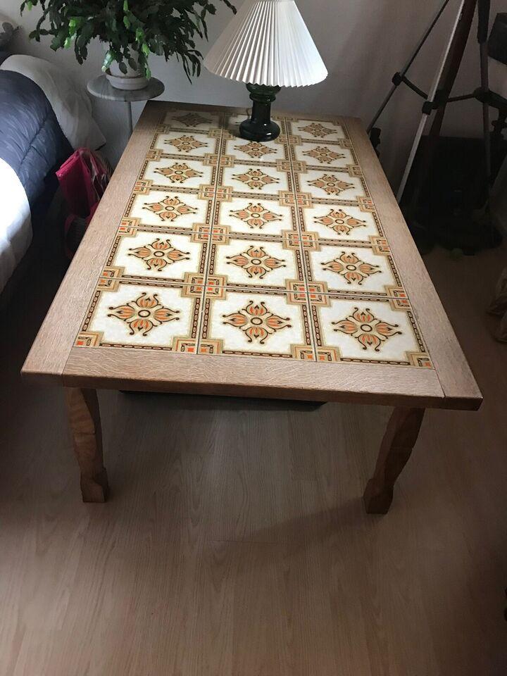 Kakkelbord, egetræ, b: 72 l: 134 h: 50