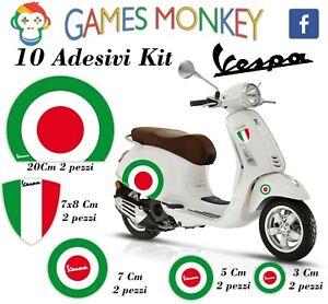 ADESIVI-MOTO-VESPA-kit-PIAGGIO-Bandiere-Italia-Cerchio-Casco