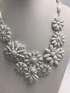 4450 Inc Macy Goldstone Beaded White Flower Statement Necklace 4
