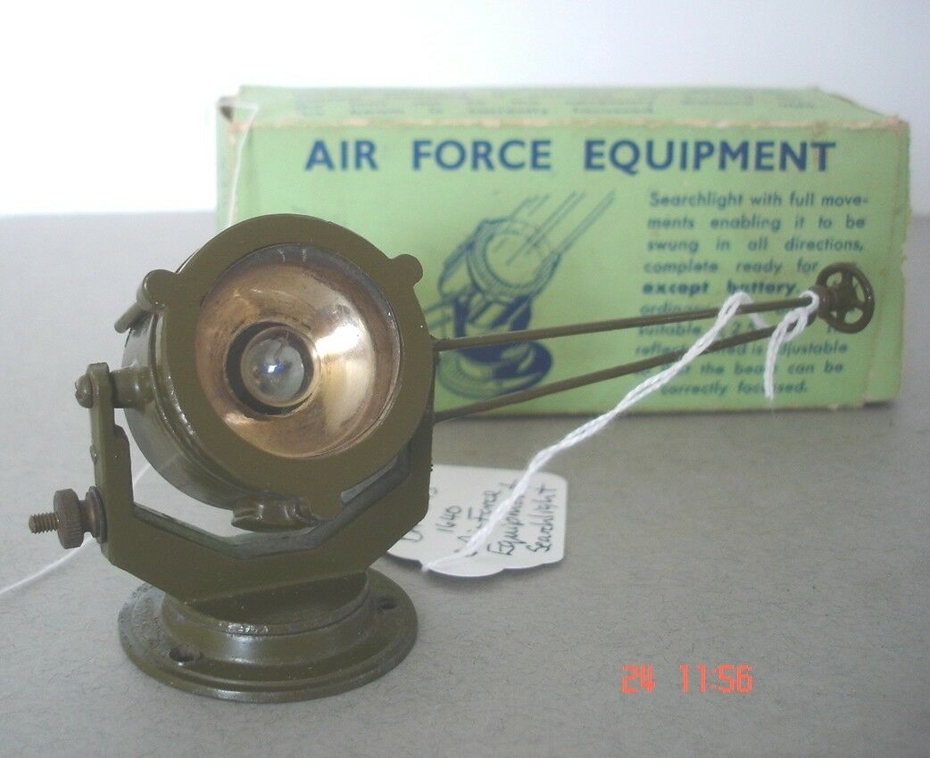 Britains Military WW2 Air Force Equipment Mobile Searchlight  W Britain Models