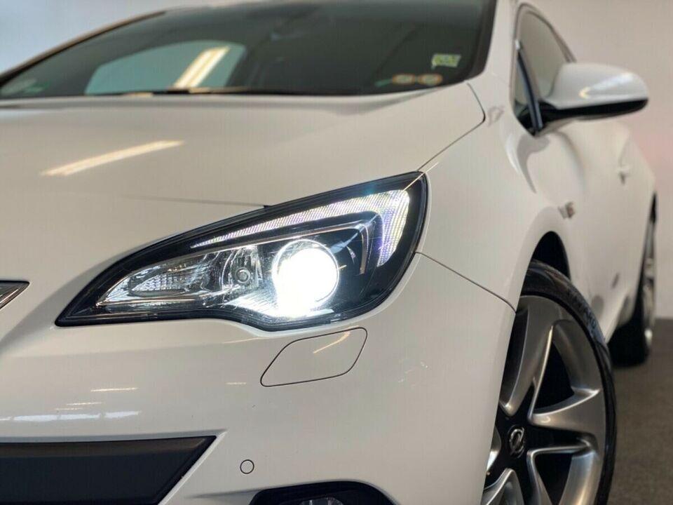 Opel Astra 1,6 T 180 Sport GTC Benzin modelår 2012 km 124000