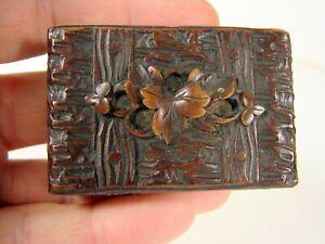 Ancienne-Boite-a-Timbres-Bois-Sculpte-Foret-Noir-Napoleon-III-6-5-x-4-x-2-2-cm