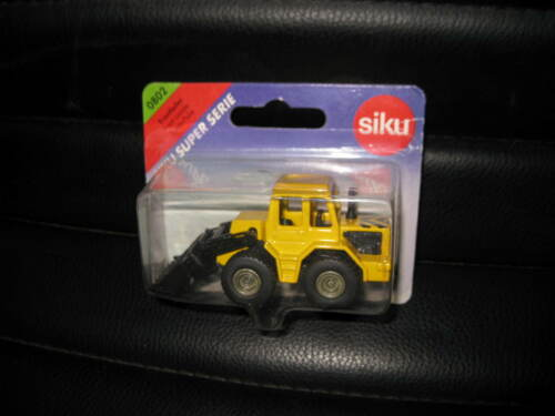SIKU SUPER SERIES FRONT LOADER YELLOW #0802 . OLD SHOP STOCK CLOSE TO 155