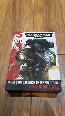 Warhammer 40,000 Nella Cupa Oscurità Dell'estremo-mostra Il Titolo Originale