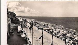 cabourg-vue-generale-de-la-plage-du-grand-hotel