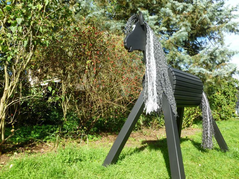 100cm Holzpferd Ost Wind Holzpony Voltigierpferd - Der Mädchentraum - wetterfest