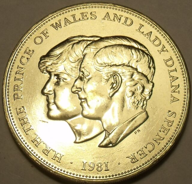 """1981 BRITISH CROWN SIZE /""""WEDDING/"""" COIN PRINCESS DI AND PRINCE CHARLES  UNC"""