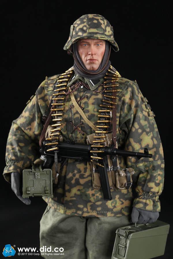 DID D80125 1 1 1 6 Scale 12 WWII German MG34 Gunner Baldric Action Figure a8d66d