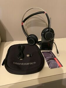 Plantronics B825 Voyager Focus Uc Bluetooth Usb Headset 17229147782 Ebay