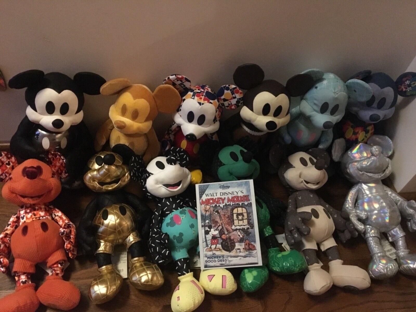 Mickey Mouse Memories 12 peluches neuve collection complète (Janvier - Decembre)