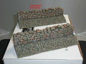 BRITAINS 51035 SUNKEN ROAD STRAIGHT STONEWALL SECTION TOY SOLDIER DIORAMA