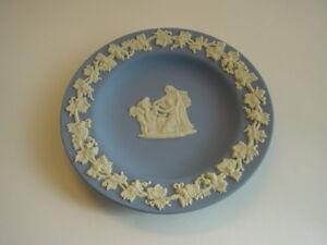 Wedgwood-Jasperware-blau-Zierteller-rund