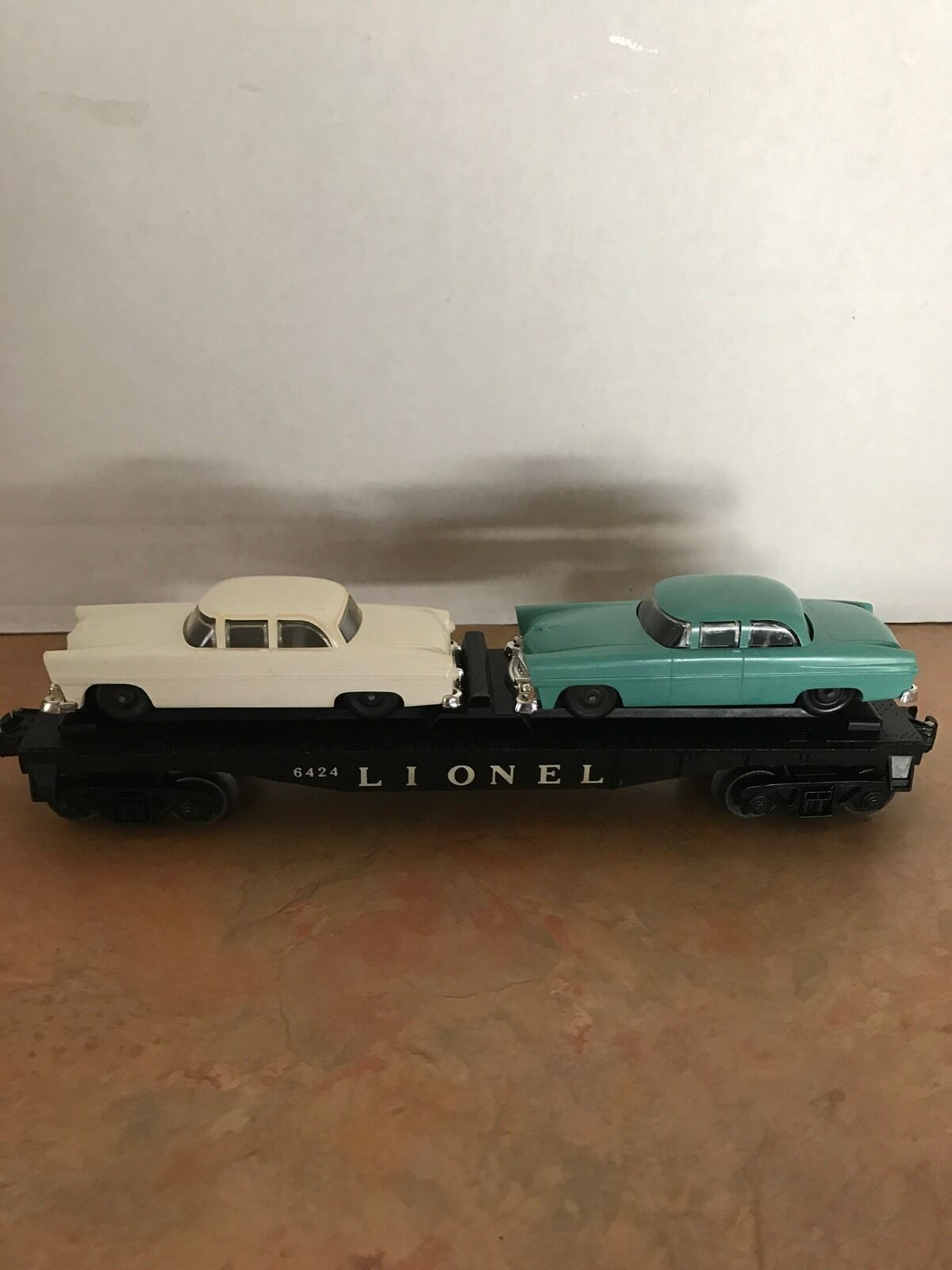 LIONEL POSTWAR 6424 TWIN AUTO FLAT CAR
