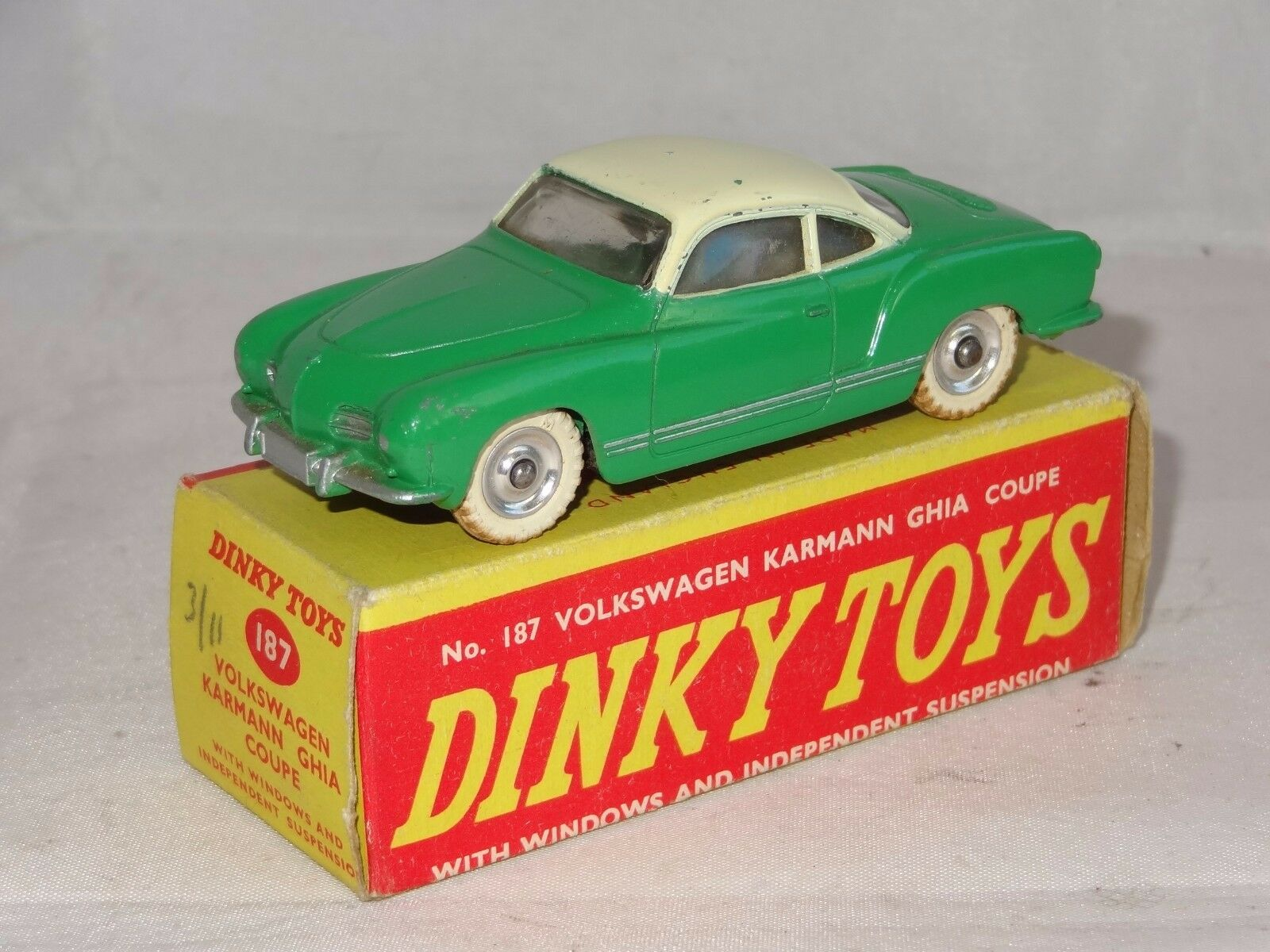 Dinky VW VOLKSWAGEN KARMANN GHIA COUPE rare green -187