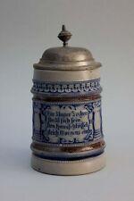 Krug Bierkrug mit reliefiertem Trinkspruch - Westerwälder Steinzeug, um 18900
