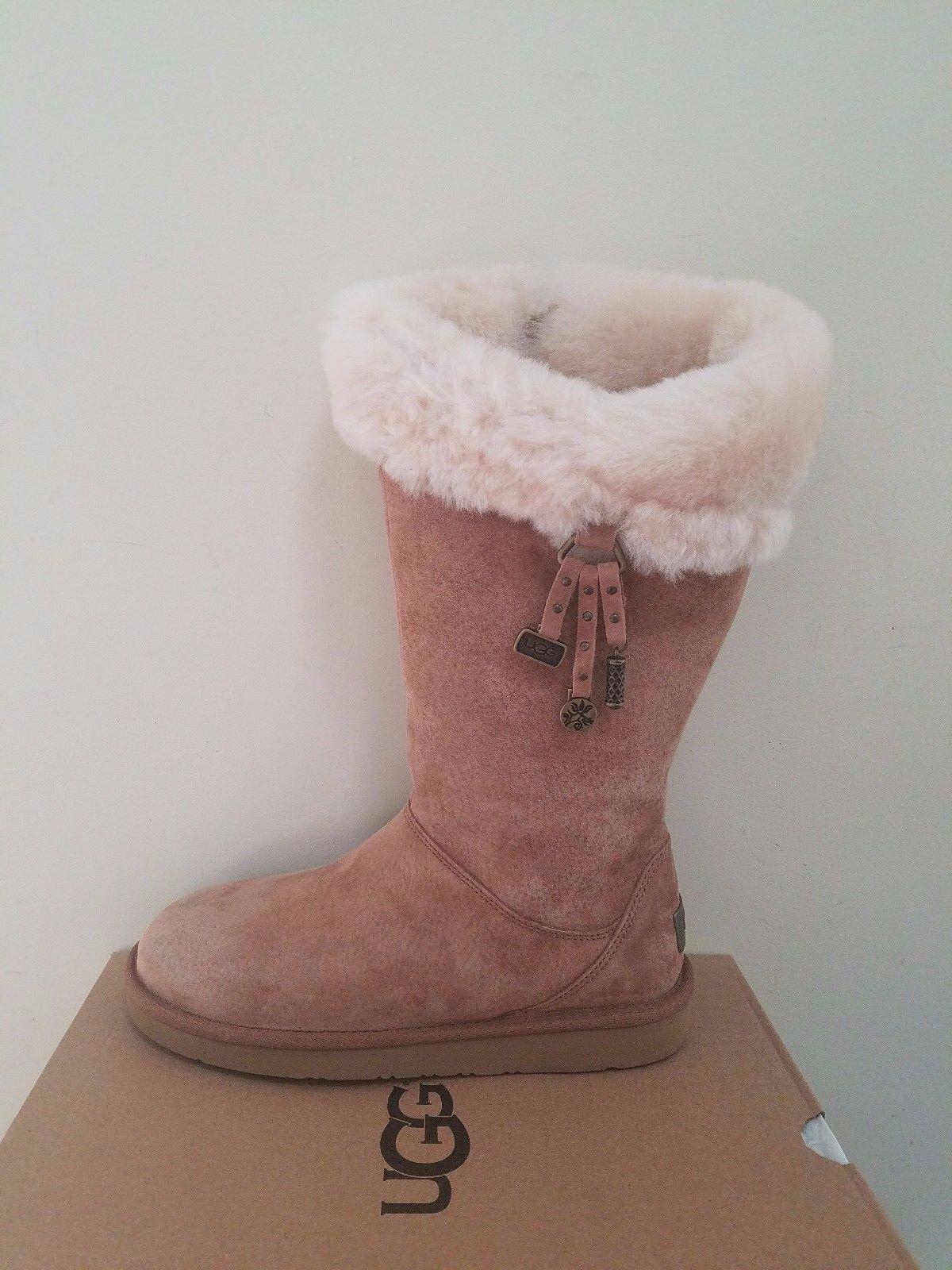 Ugg Ausztrália Női Plumdale Charm Boots Mérete 6 NIB