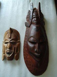 Afrika-oder-Asien-2-Holzmasken-eine-600-mm-Hoch-16-Bilder-im-Angebot