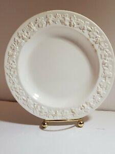 Wedgwood-Of-Etruria-amp-Barlaston-ENG-Embossed-Salad-Dessert-Plate-discolored