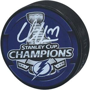 Victor-Hedman-Tampa-Bay-Lightning-2020-Stanley-Cup-Champs-Signed-Champs-Puck