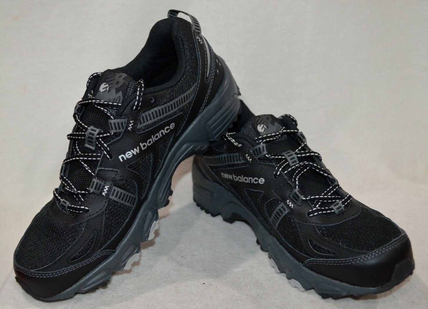 New Balance Men's 410 MT410BS4 Black Silver Grey Trail Running shoes-Size 8 NWOB