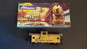 Athearn HO Scale 5369 Chessie System Wide Vision Caboose B&O 3358 Train W Box