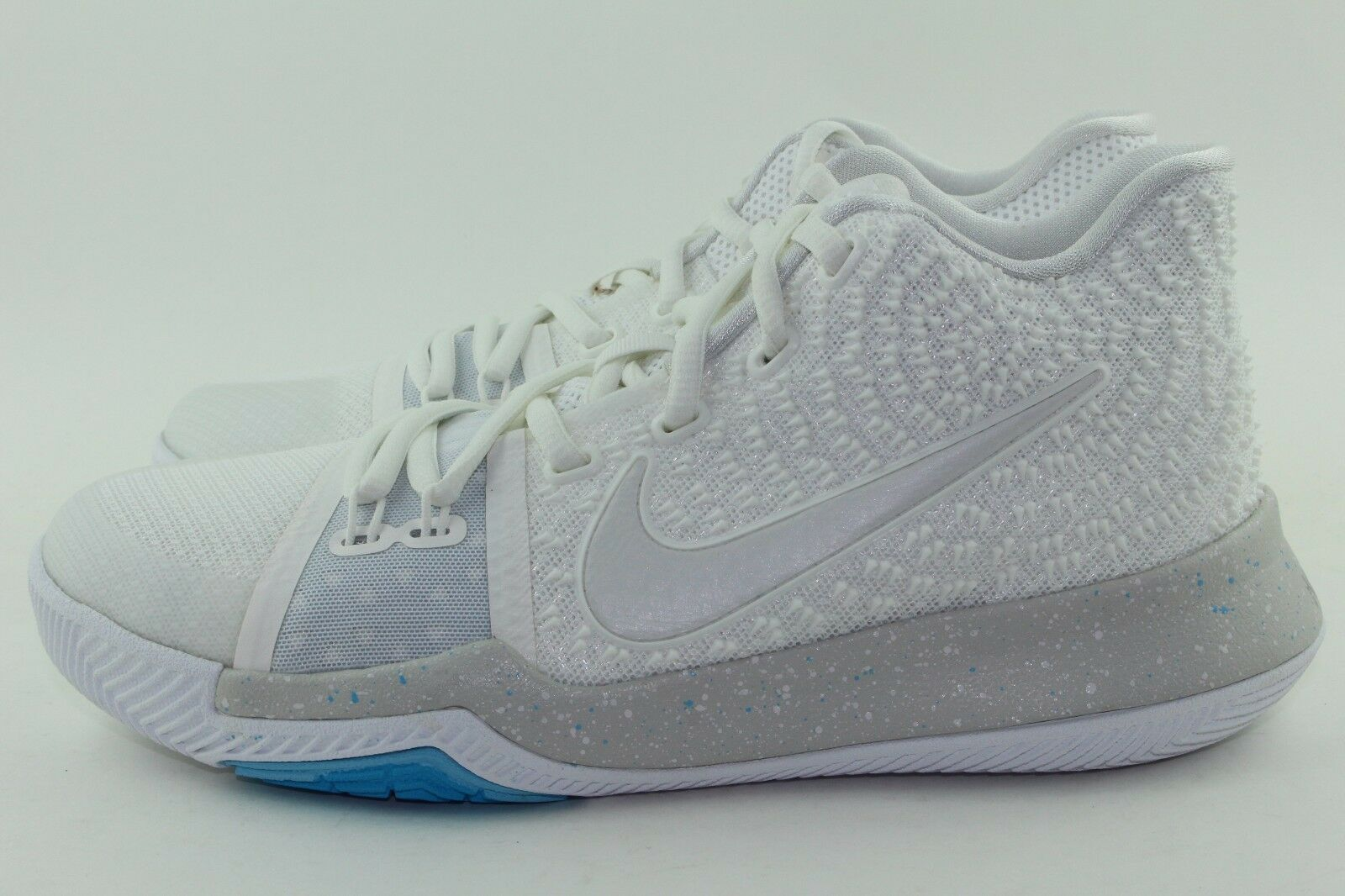 KYRIE 3  IVORY  YOUTH SIZE 4.0 SAME AS WOMAN 5.5 NEW AUTHENTIC RARE COMFORTABLE