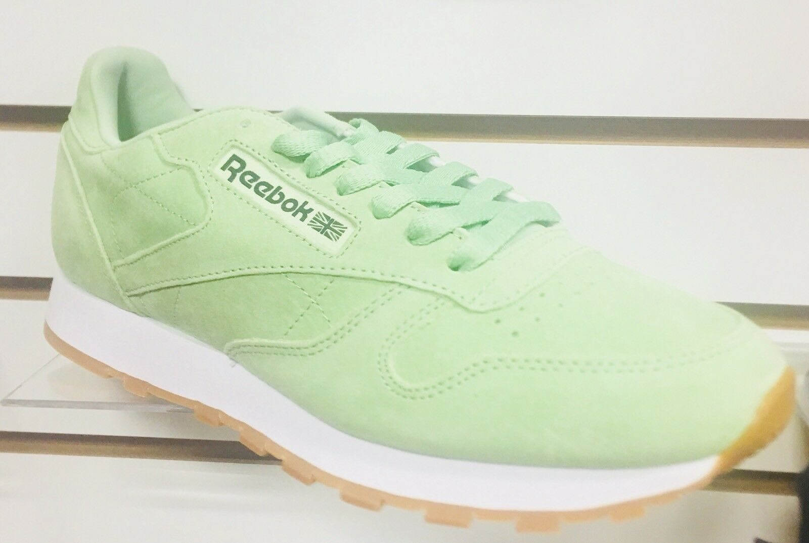 Dope !!! Reebox Classic Uomo  Size 9.5 Suede Lime Green