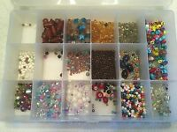 2 Pounds Mixed Lot Glass/plastic Beads Sorted In Plastic Divided Container