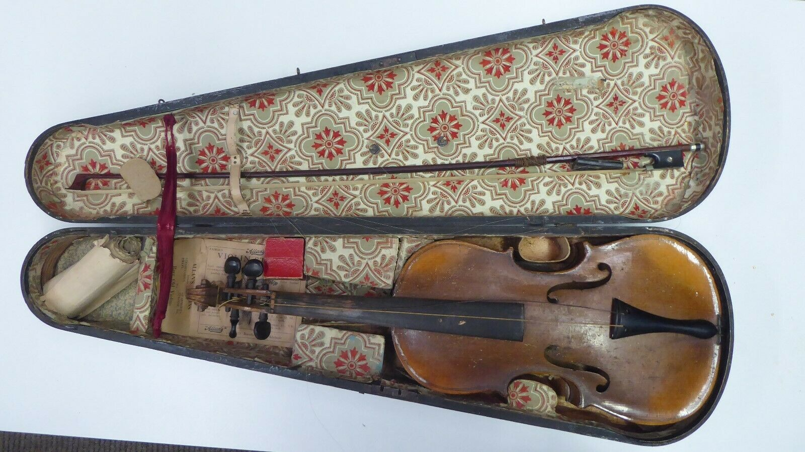 ANTIQUE STRADIVARIUS COPY VIOLIN IN CASE- GASPER DA SOLA - ESTATE LOT UNRESTGoldt