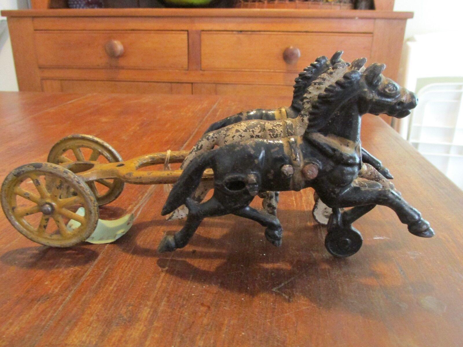 Antiguo Vintage de hierro fundido Juguete de caballos y ruedas