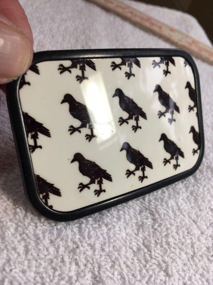 Beautiful Ladies Black Crows Belt Buckle. . 3-1/2
