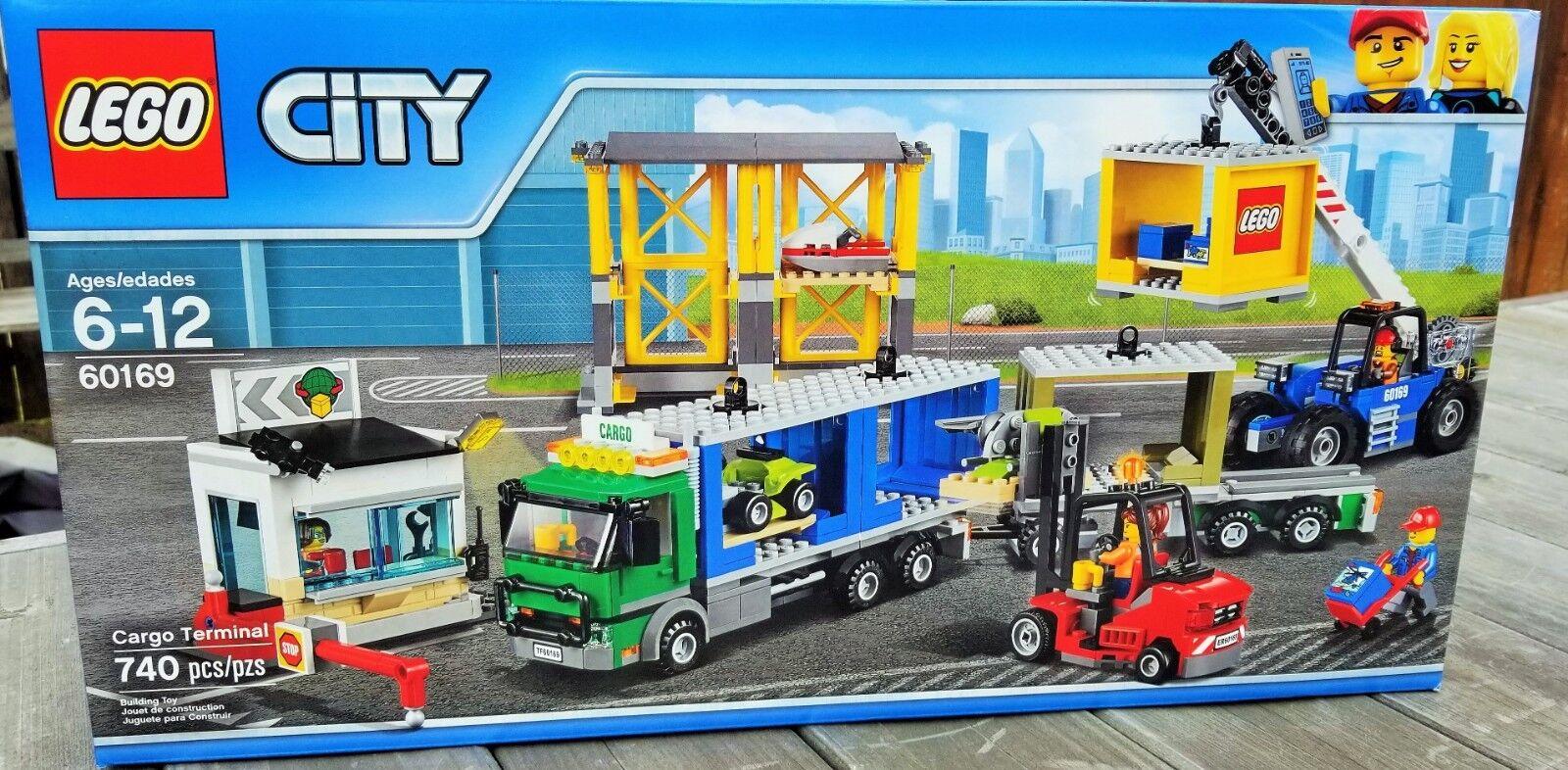 LEGO LEGO LEGO City Cargo Terminal Building Set, 60140    740 Pieces Brand New    f7cd08