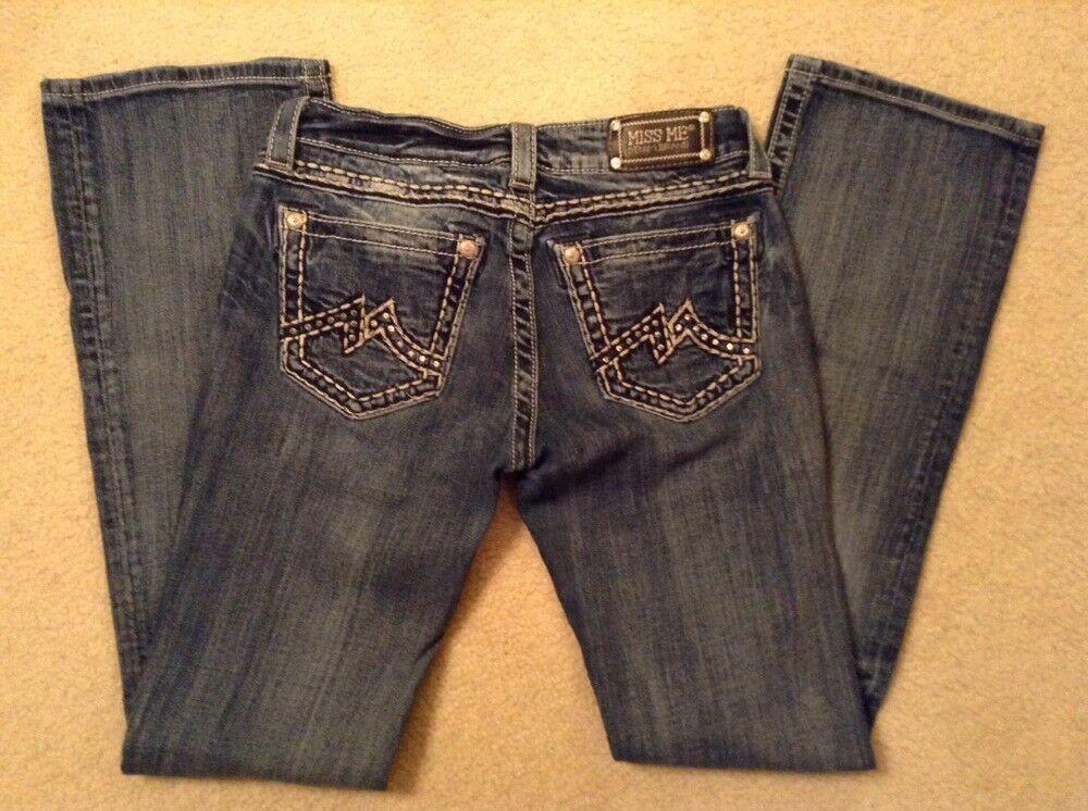 EUC  Women's Miss Me Rhinestone Embroidered  Boot Cut Jeans JD10G4B Sz 29