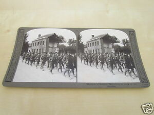 WW1-STEREOVIEW-BATTALION-OF-LONDON-TERRITORIALS-EN-ROUTE-TO-THE-TRENCHES