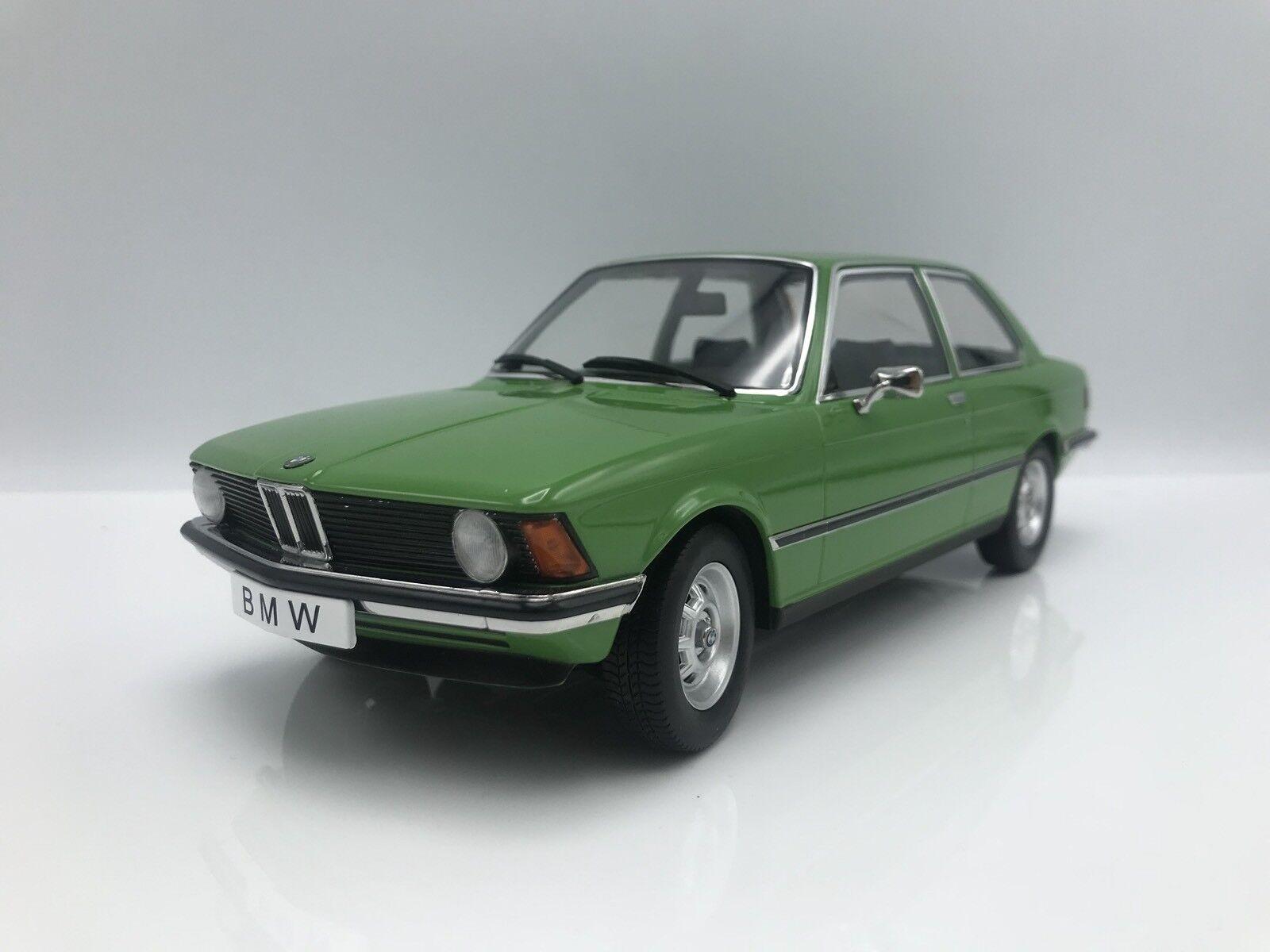 BMW 318i (e21) 1975-Vert - 1 18 KK-Scale     nouveau   Stade Cadeaux