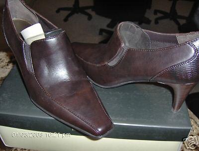 Liz Claiborne Women's Lanie Boot (Dk Brown)  8.5 M New