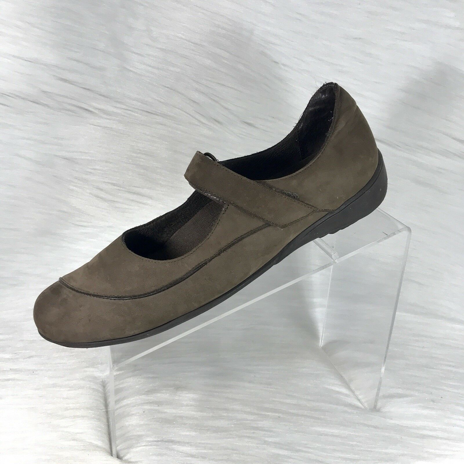Munro American Women's Mary Jane shoes Brown Leather Size 11 M