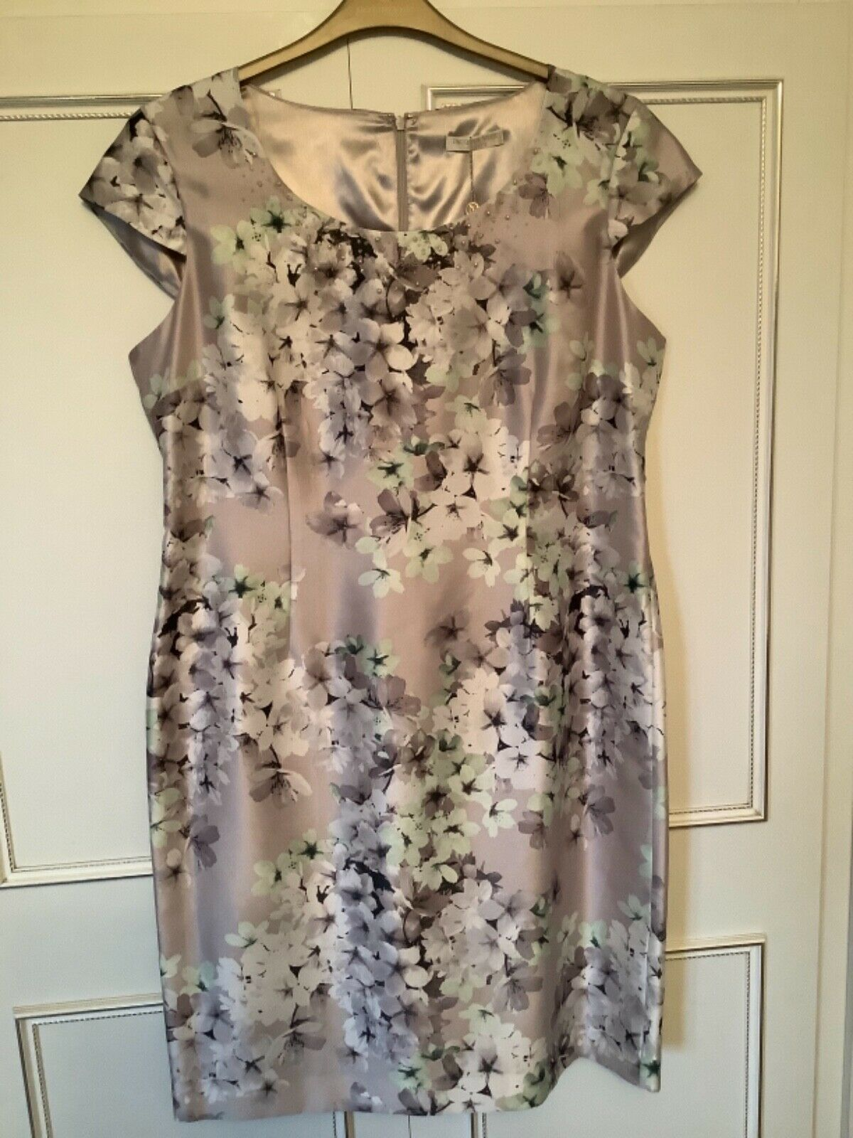 Jacques Vert Size 16 Petite (39ins long) Beaded Detail Dress Wedding/Occasion