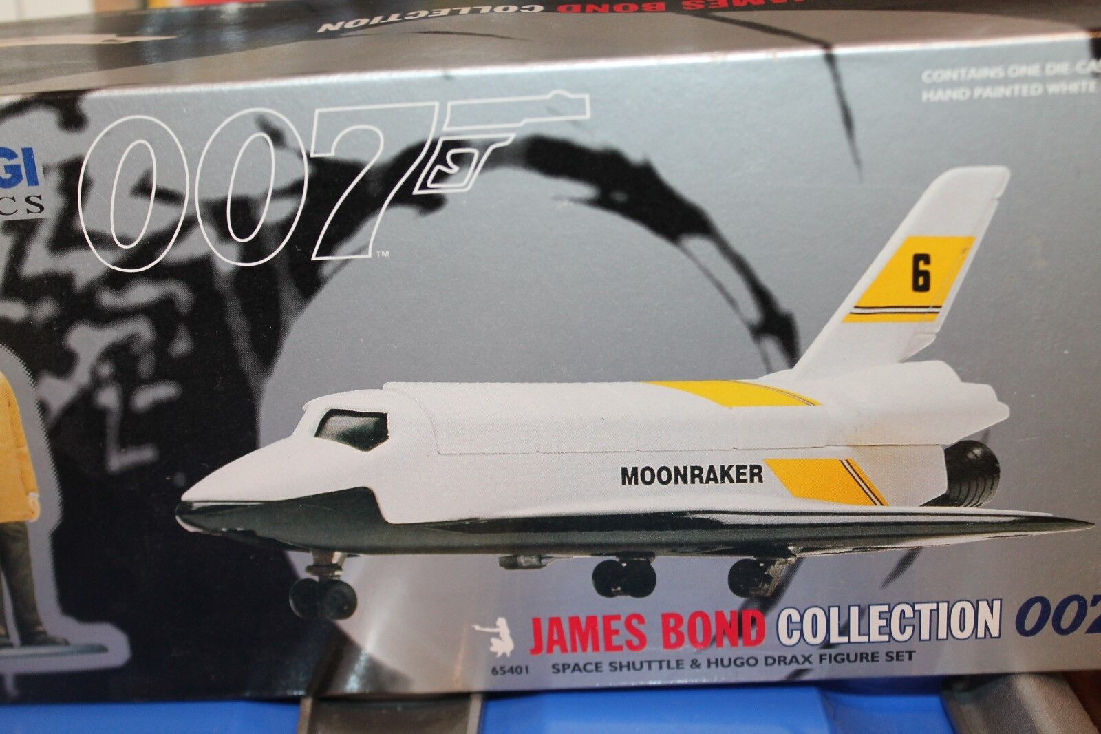 CORGI TOYS  JAMES BOND  SPACE SHUTTLE & HUGO DRAX FIGUR   OVP  | Qualität