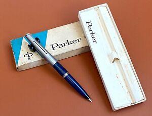 Vintage-Parker-45-Blue-Fountain-Pen-w-Case-NOS-Argentina-Ar3568