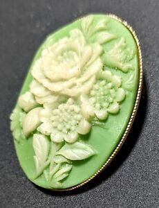 Green-Resin-Cameo-70s-Vintage-Oval-Pin-Brooch-1-5-034