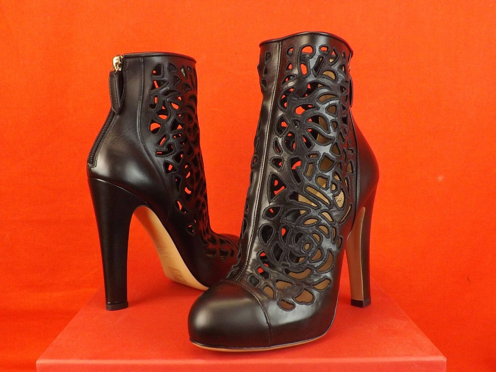 NIB VALENTINO BLACK LEATHER LASER CUT OUT BACK ZIP SHORT ANKLE BOOTS 40  1145