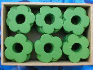 Holzblumen-Holzblueten-Lochblumen-apfelgruen-4-cm-2-Holzboxen-96-Stueck